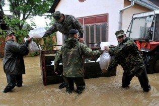 60949909-poplava-u-slavonskom-samcu